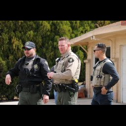 Deputies with the Major Offenders Task Force