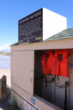 photo of free lifejackets