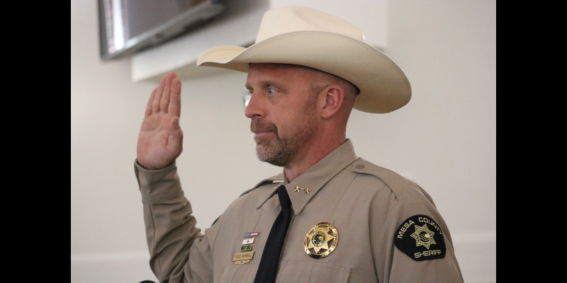 Image for Sheriff Todd Rowell takes Office
